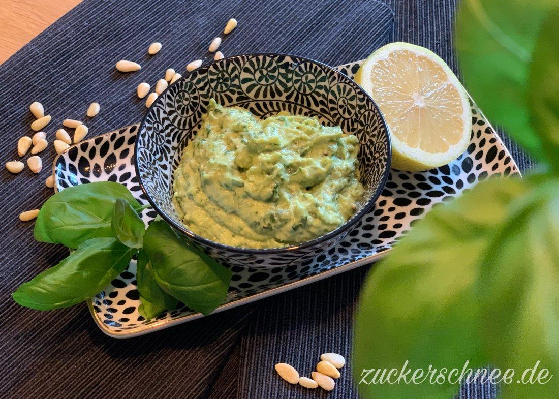 Veganes Basilikum Pesto